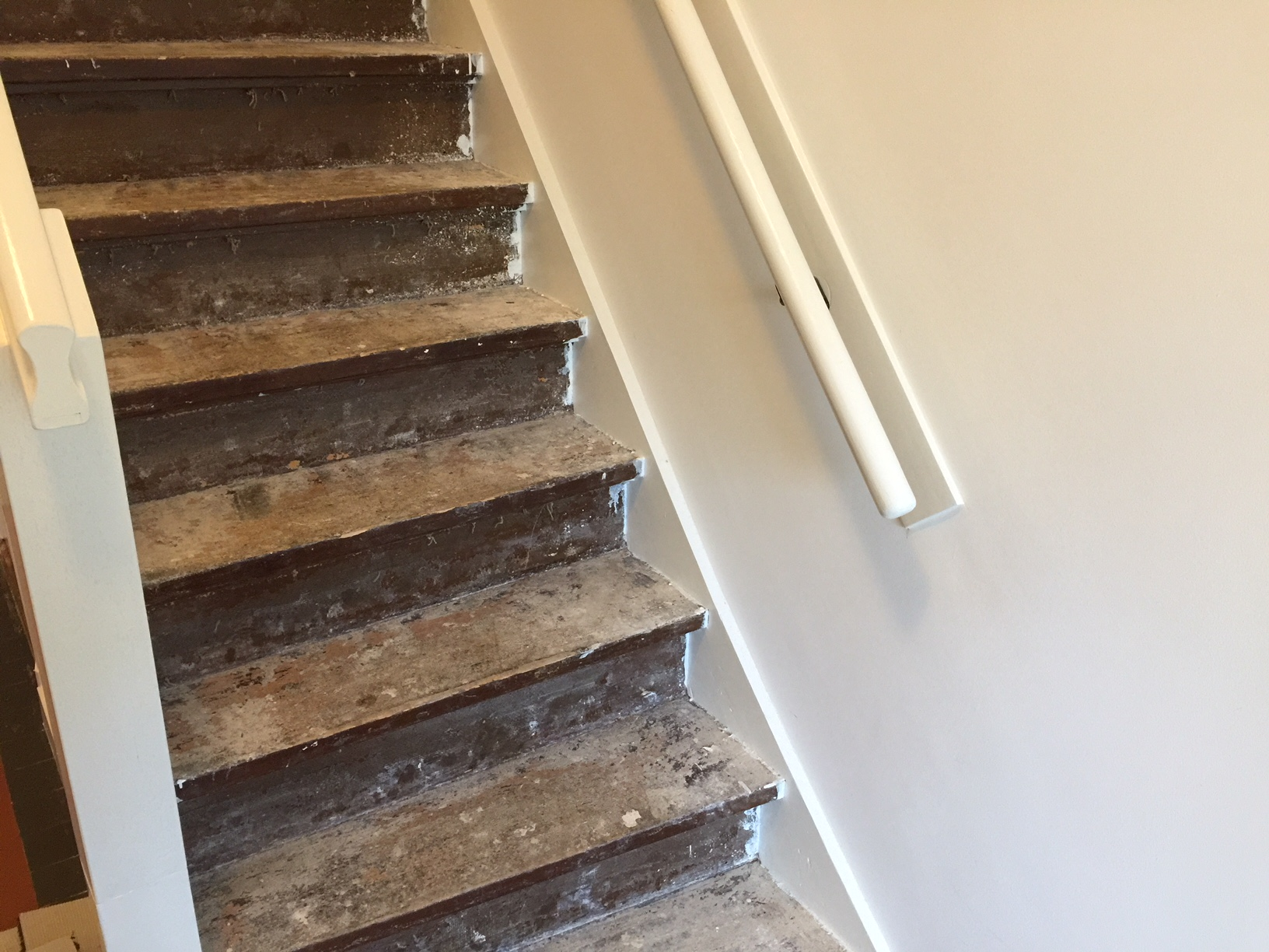 Tapijt trap verwijderen vloerbedekking trap verwijderen